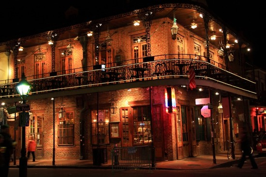 Photo Corner of Bourbon Street in New Orleans - Pictures and Images of New Orleans - 550x366  - Author: Editorial Staff, photo 24 of 27