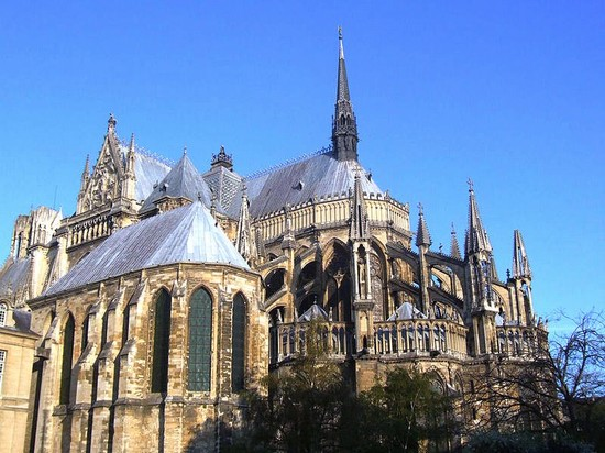 TRAVEL GUIDE a REIMS