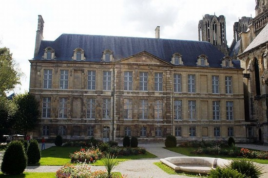 photo reims palais du tau a reims in reims pictures and images of reims 550x366 author. Black Bedroom Furniture Sets. Home Design Ideas