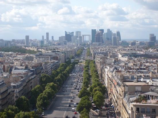 Photo champs elisee dall arco di trionfo parigi in paris for Parigi champ elisee