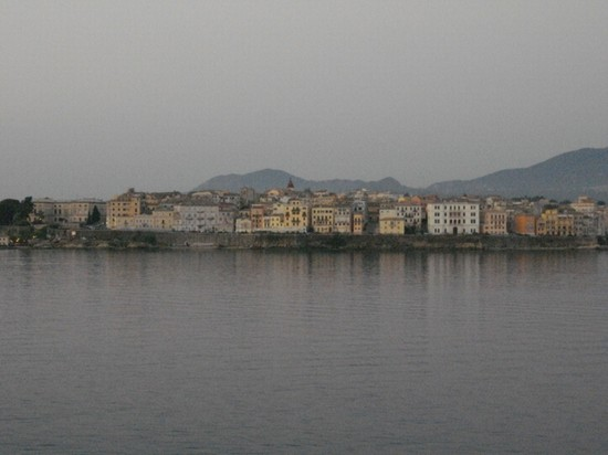 Photo vista della citta di corfu dal mare corfu in Corfu - Pictures and Images of Corfu