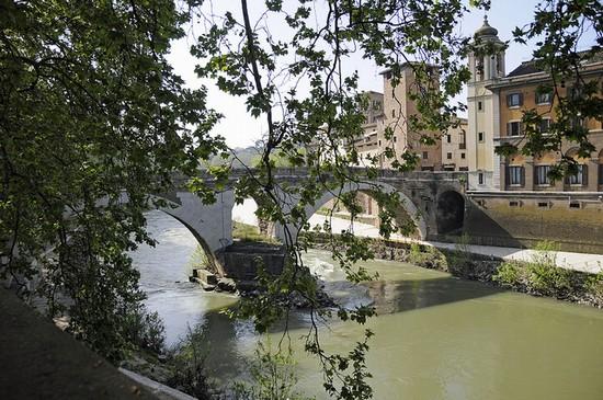 Resultado de imagem para ponte fabricio roma italia - lapideus