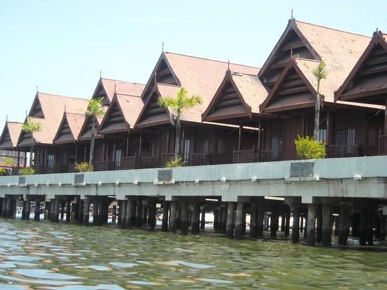 Case di legno su palafitte tutte le immagini per la for Piani di case costiere su palafitte