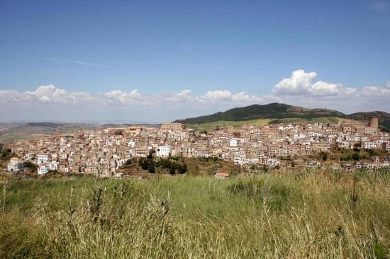 Foto Panorama del centro storico a Tricarico - 550x366  - Autore: Rocco, foto 3 di 17