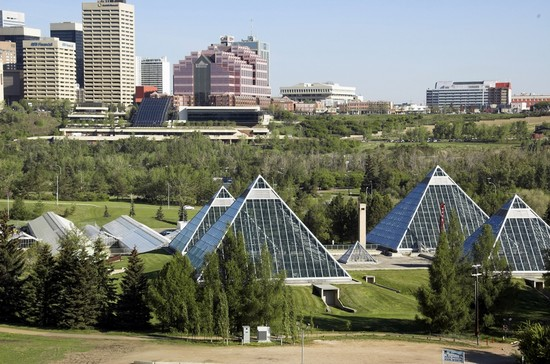 Photo City and Park in Edmonton - Pictures and Images of Edmonton - 550x364  - Author: Editorial Staff, photo 4 of 33