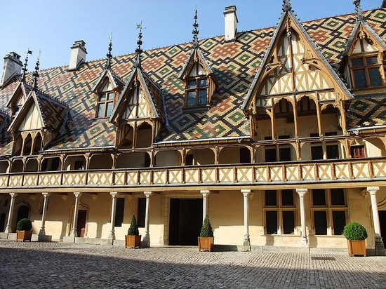 Photo hospices de beaune photos de beaune et images 550x412 auteur la r - Visiter hospices de beaune ...