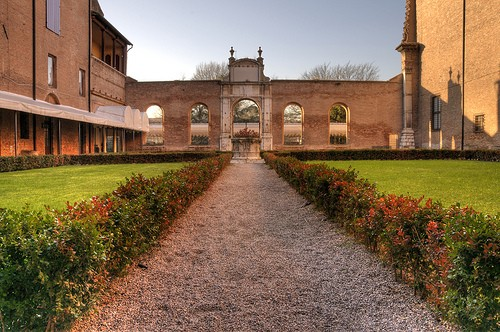 Photo Palazzo dei Diamanti a Ferrara in Ferrara - Pictures and Images of Ferrara