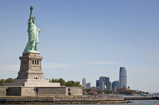 Statua della Libertà e lo Skyline di Manhattan