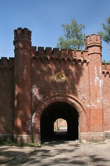 Foto la fortezza di boyen a varsavia 366x550 autore for La fortezza arredamenti commerciali