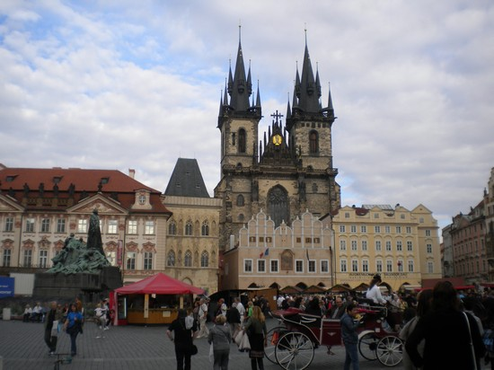 Photo piazza della citta vecchia praga in Prague - Pictures and Images of Prague - 550x412  - Author: Laura, photo 8 of 601
