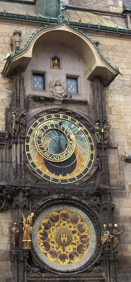 Photo piazza dell  orologio praga in Prague - Pictures and Images of Prague - 256x550  - Author: Massimiliano, photo 334 of 553