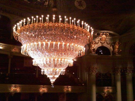 51055 philadelphia grand chandelier