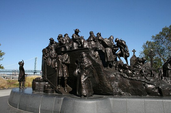 Photo Penn's Landing in Philadelphia - Pictures and Images of Philadelphia - 550x366  - Author: LisaCapozzi, photo 1 of 62