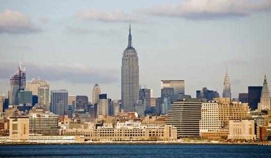 photo new york skyline di manhattan con al centro l empire. Black Bedroom Furniture Sets. Home Design Ideas