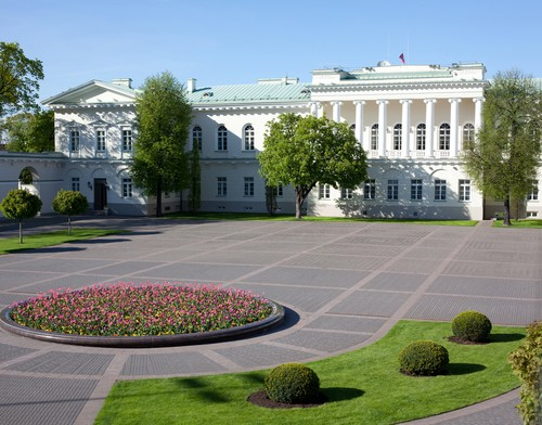 Photo vilnius palazzo presidenziale in Vilnius - Pictures and Images of Vilnius - 500x392  - Author: Federica, photo 1 of 41