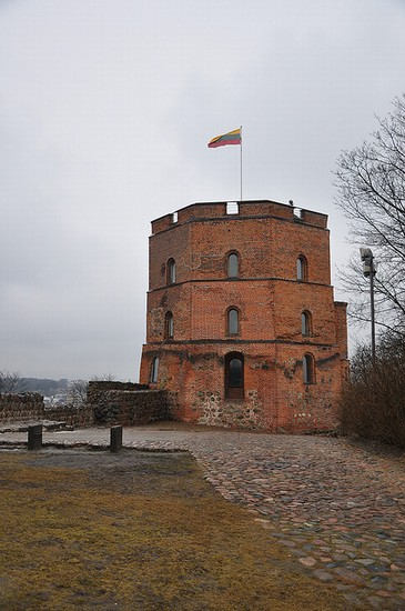 Photo vilnius torre di gediminas in Vilnius - Pictures and Images of Vilnius - 365x550  - Author: Editorial Staff, photo 1 of 41