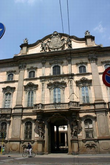 Photo Palazzo Litta a Milano in Milan - Pictures and Images of Milan