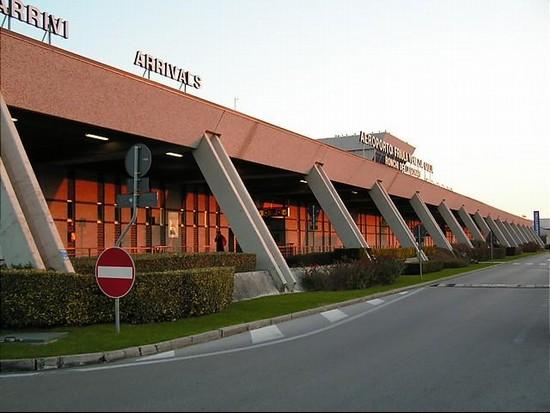 Aeroporto Ronchi : Aeroporto di ronchi dei legionari a trieste