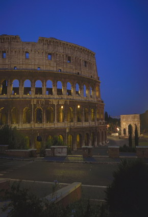 Photo Colosseo e arco di Costantino - notturno in Rome - Pictures and Images of Rome