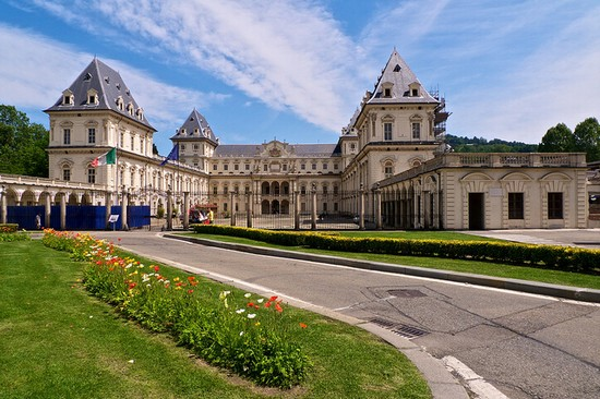Photo torino castello del valentino parco del valentino in Turin - Pictures and Images of Turin - 550x366  - Author: Editorial Staff, photo 1 of 261
