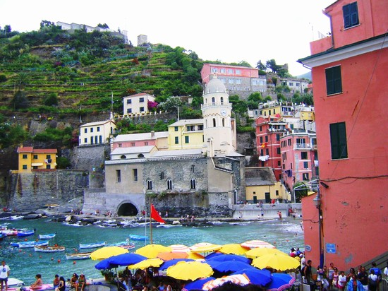 Photo vernazza chiesa santa margherita vernazza in Vernazza - Pictures and Images of Vernazza - 550x412  - Author: Cosimo, photo 1 of 76