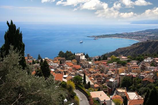 Foto Panorama di Taormina a Taormina - 550x366  - Autore: Redazione, foto 1 di 107