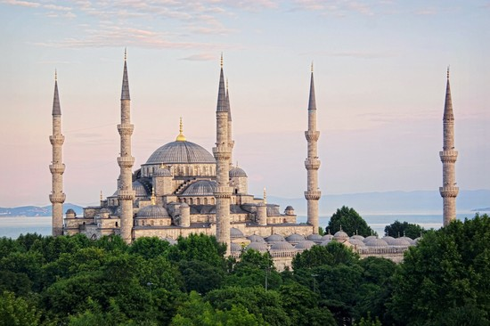 Photo istanbul moschea blu in Istanbul - Pictures and Images of Istanbul - 550x366  - Author: Editorial Staff, photo 1 of 226
