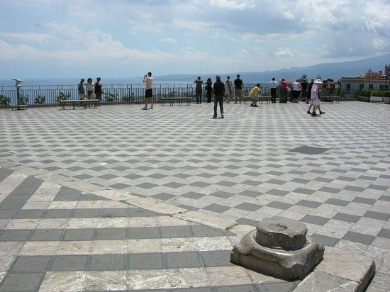Photo La terrazza panoramica di Piazza IX Aprile in Taormina - Pictures and Images of Taormina