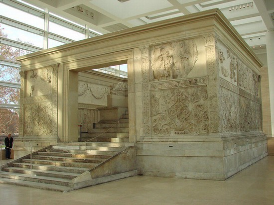 Photo roma museo dell  ara pacis in Rome - Pictures and Images of Rome - 550x412  - Author: Editorial Staff, photo 1 of 986