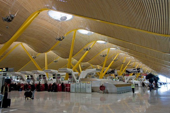 Photo madrid aeroporto internazionale di barajas in Madrid - Pictures and Images of Madrid - 550x366  - Author: Editorial Staff, photo 1 of 349