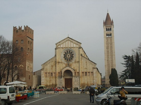 Photo verona basilica di san zeno in Verona - Pictures and Images of Verona - 550x412  - Author: Editorial Staff, photo 1 of 273