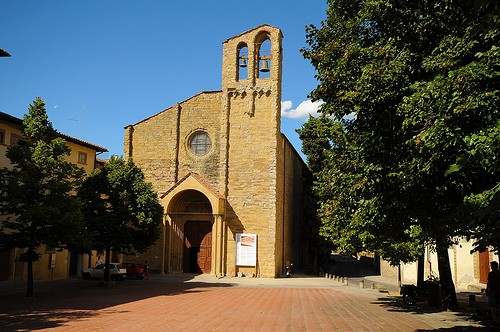 Photo arezzo chiesa di san domenico in Arezzo - Pictures and Images of Arezzo - 500x332  - Author: Editorial Staff, photo 1 of 90