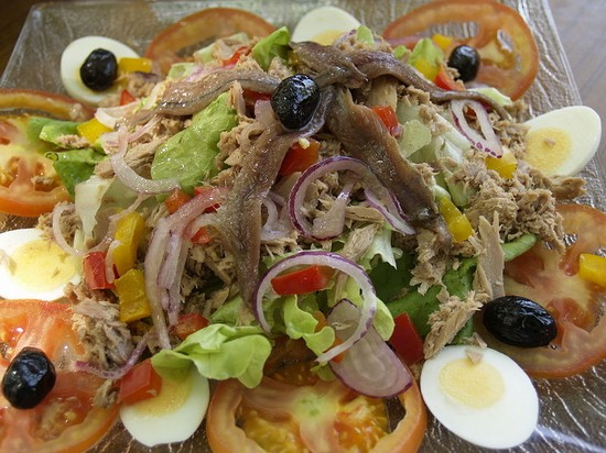 Photo nizza salade nicoise in Nice - Pictures and Images of Nice - 550x412  - Author: Editorial Staff, photo 1 of 219