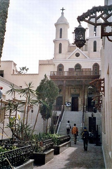 Photo il cairo chiesa copta il cairo in Cairo - Pictures and Images of Cairo - 366x550  - Author: Editorial Staff, photo 1 of 169