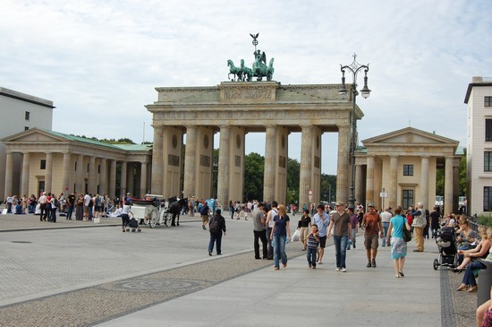 Photo brandenburger tor in berlin berlin in Berlin - Pictures and Images of Berlin - 550x365  - Author: KlausWieland, photo 83 of 490
