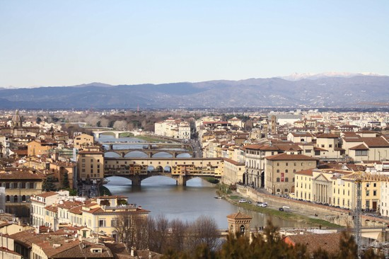 Photo infilata di ponti firenze in Florence - Pictures and Images of Florence - 550x366  - Author: Alice, photo 2 of 572