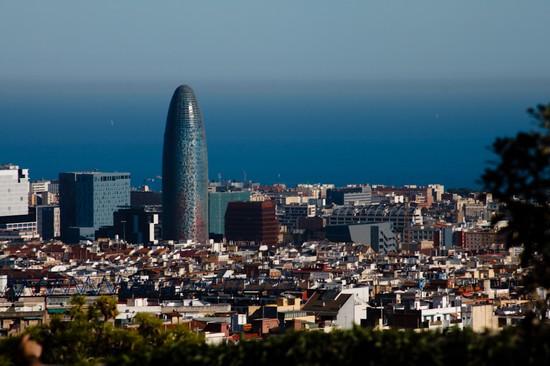Foto torre di barcellona a barcellona 550x366 autore for Ostelli a barcellona consigli