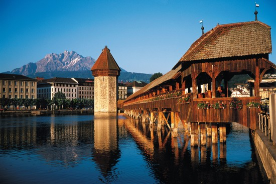 Photo ponte di capella lucerna in Luzern - Pictures and Images of Luzern - 550x368  - Author: Editorial Staff, photo 27 of 48