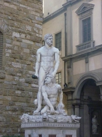 Photo Scultura- Galleria dell'Accademia in Florence - Pictures and Images of Florence