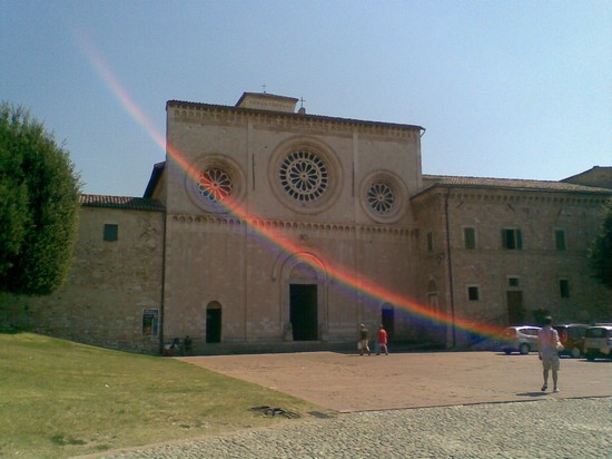 Photo chiesa di san pietro assisi in Assisi - Pictures and Images of Assisi - 550x412  - Author: Gianni, photo 53 of 159