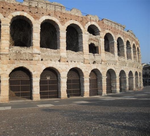 Photo arena verona in Verona - Pictures and Images of Verona - 528x479  - Author: Ludovico, photo 85 of 263