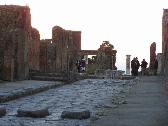 Photo pompei in Pompei - Pictures and Images of Pompei - 550x412  - Author: Tom Kender, photo 34 of 47