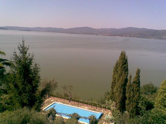 Foto Veduta dal borgo di Monte sul Lago a Perugia - 550x412  - Autore: Gianni, foto 3 di 116