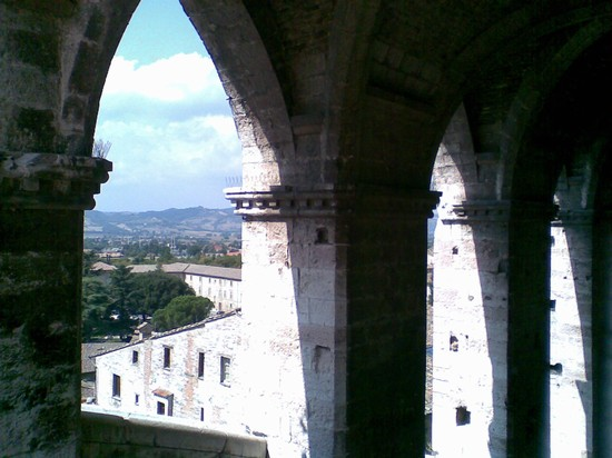 Photo gubbio palazzo dei consoli in Gubbio - Pictures and Images of Gubbio - 550x412  - Author: Gianni, photo 1 of 34