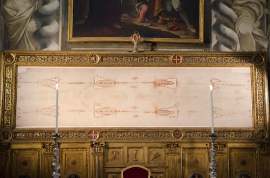 Photo torino riproduzione della sindone esposta nella chiesa del sssudario in Turin - Pictures and Images of Turin - 550x364  - Author: MUSEO DELLA SINDONE, photo 4 of 233