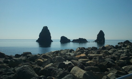 Photo taormina i faraglioniil mito di ulisse e la leggenda di polifemo in Taormina - Pictures and Images of Taormina - 550x330  - Author: Tripping Sicily S.a.r.l., photo 6 of 80