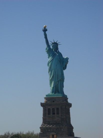 Photo liberty statue new york in New York - Pictures and Images of New York - 412x550  - Author: Valeria, photo 2 of 536