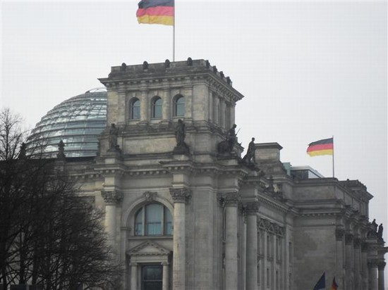 Photo reichstag berlino in Berlin - Pictures and Images of Berlin - 550x412  - Author: Ludovico, photo 18 of 491