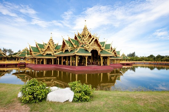 Photo Wonderful lake in Bangkok - Pictures and Images of Bangkok