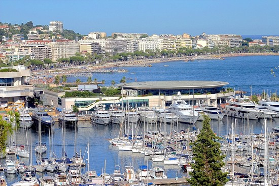 Photo veduta di cannes cannes in Cannes - Pictures and Images of Cannes - 550x366  - Author: Editorial Staff, photo 124 of 78